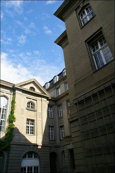 Haupteingang4