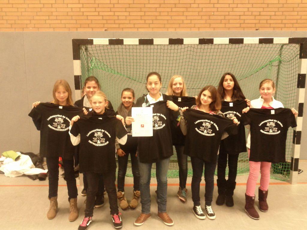 Lessing – Mädchen holen den Stadtmeistertitel im Fußball