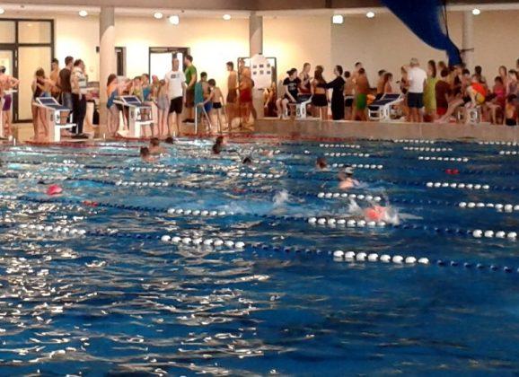 Lessing-Gymnasium wird Stadtmeister im Schwimmen