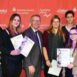 "Clever ""gezockt"": Sowi-Kurs gewinnt 5. Platz beim Börsenspiel"