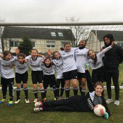 LESSING-Fußballerinnen werden Stadtmeister in Düsseldorf