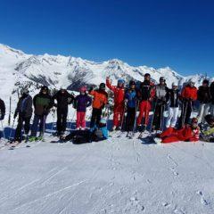 Die Freizeitsportleiter der EF lernen Ski fahren
